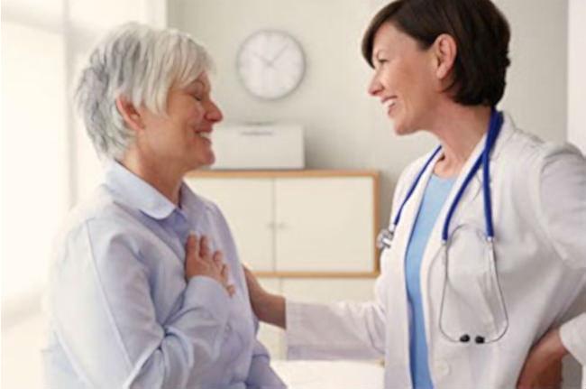 пациентка и онколог