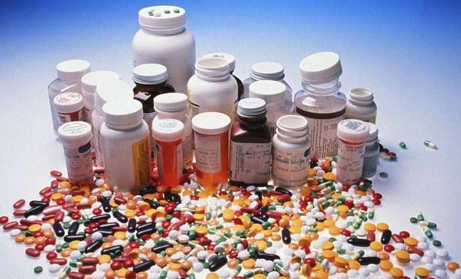 очень много лекарств, таблеток