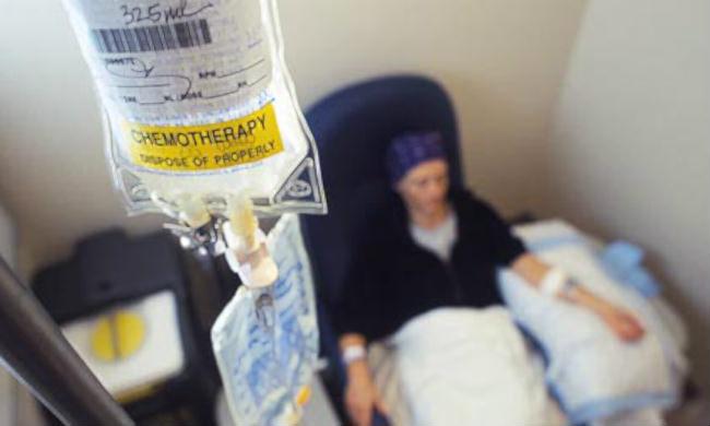 пациентка проходит химиотерапию