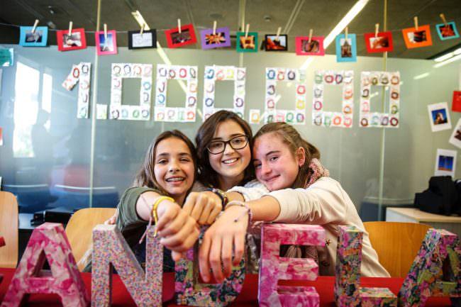 3 девчоки из Испании
