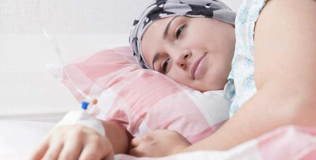 женщина с раком груди
