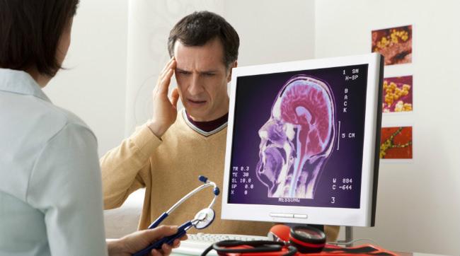 пациент с раком мозга и онколог