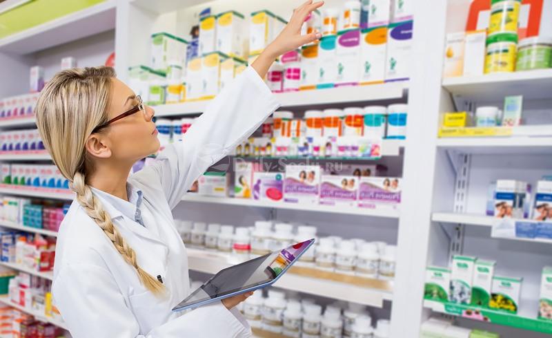 Медикаменты в аптеке